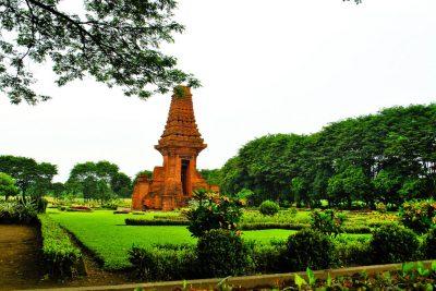 Bajang Ratu temple - Trowulan