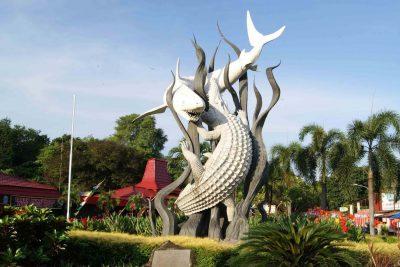 Ikon kota Surabaya 400x267 Best Surabaya City Tour Destinations