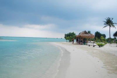Pantai Pasir Perawan Pulau Pari 400x267 Trip to Pari Island   Thousand Islands   Jakarta
