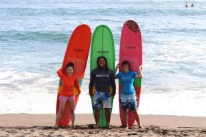 Bali Batu Bolong surf lesson