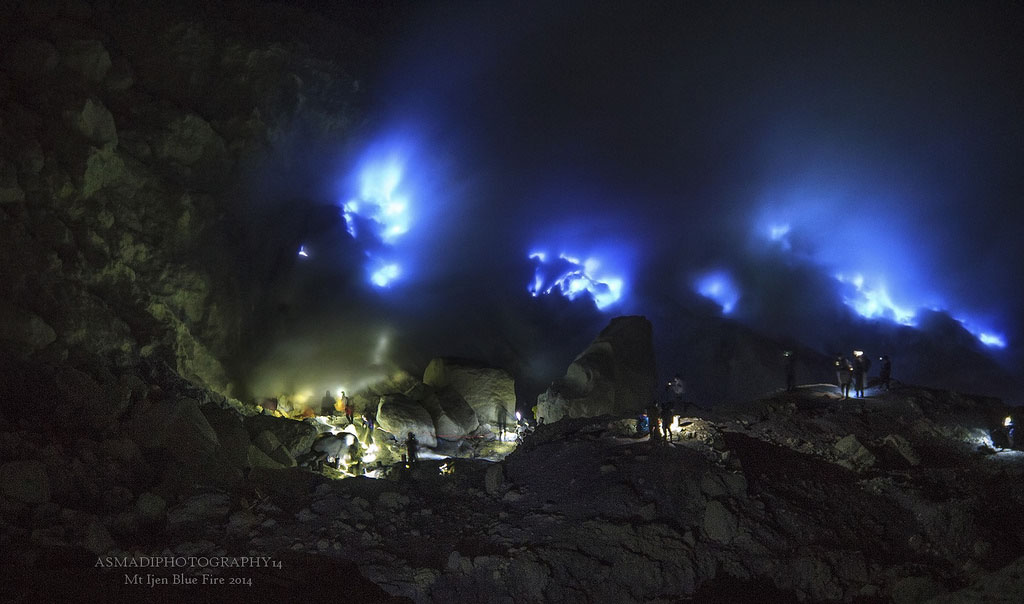 The amazing Ijen crater blue fire