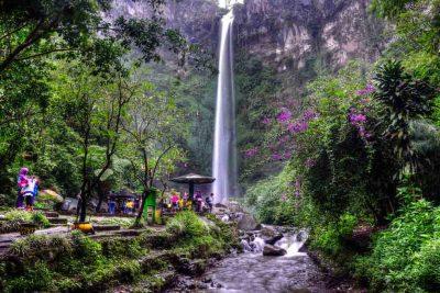 Airterjun Coban Rondo Batu 400x267 Daftar Destinasi Wisata Malang Instagramable