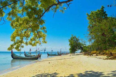 Gili Labak beach view