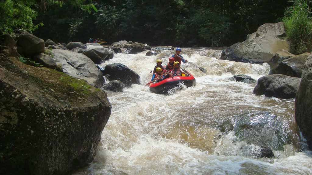 Rafting adventure at Kaliwatu