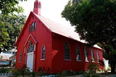 Gereja Merah Probolinggo 400x267 Welcome